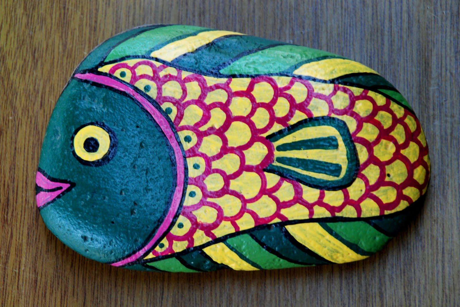 Artesanias yibi piedras pintadas for Piedras pintadas para jardin