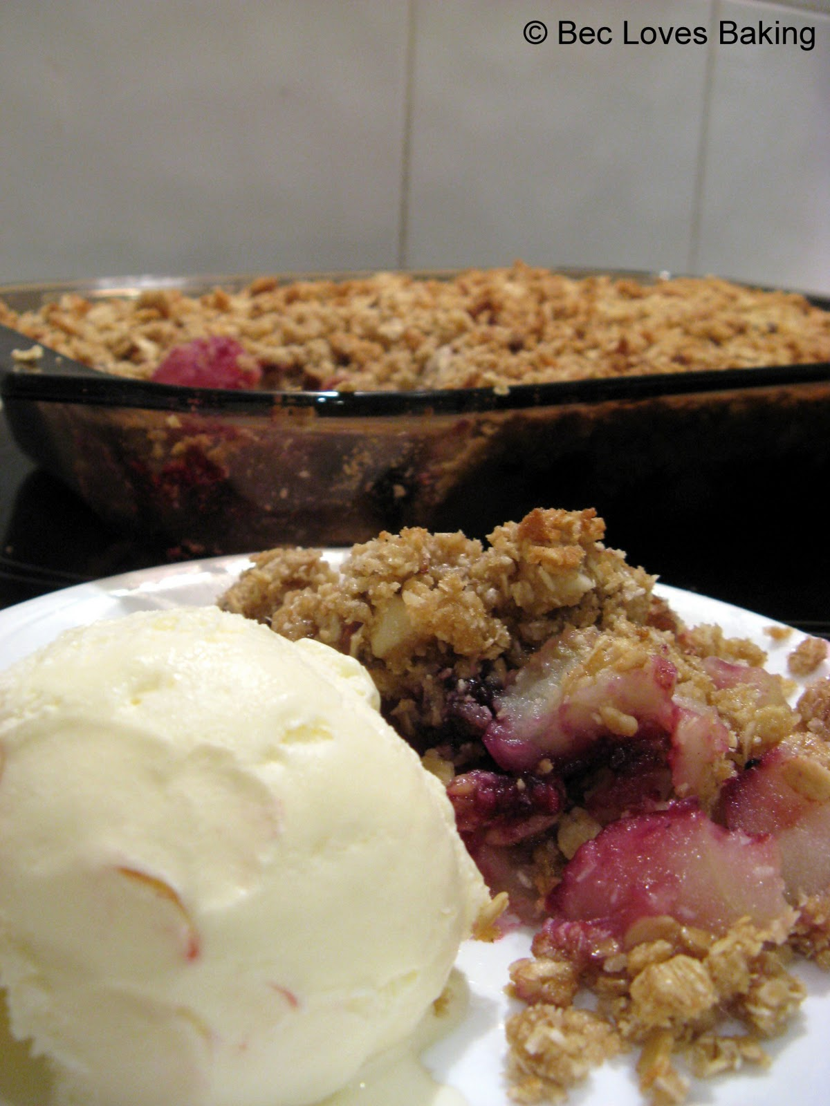 Bec Loves Baking: Apple Berry Crumble
