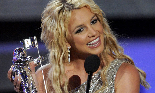 Britney Spears arrazo en los Premios MTV Video Music Awards 2008