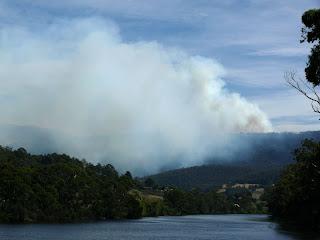 Judds Creek Rd fire from Huonville bridge - 18 Feb 2007