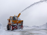 Snow plough operating at Mt Wellington summit - 18th August 2008