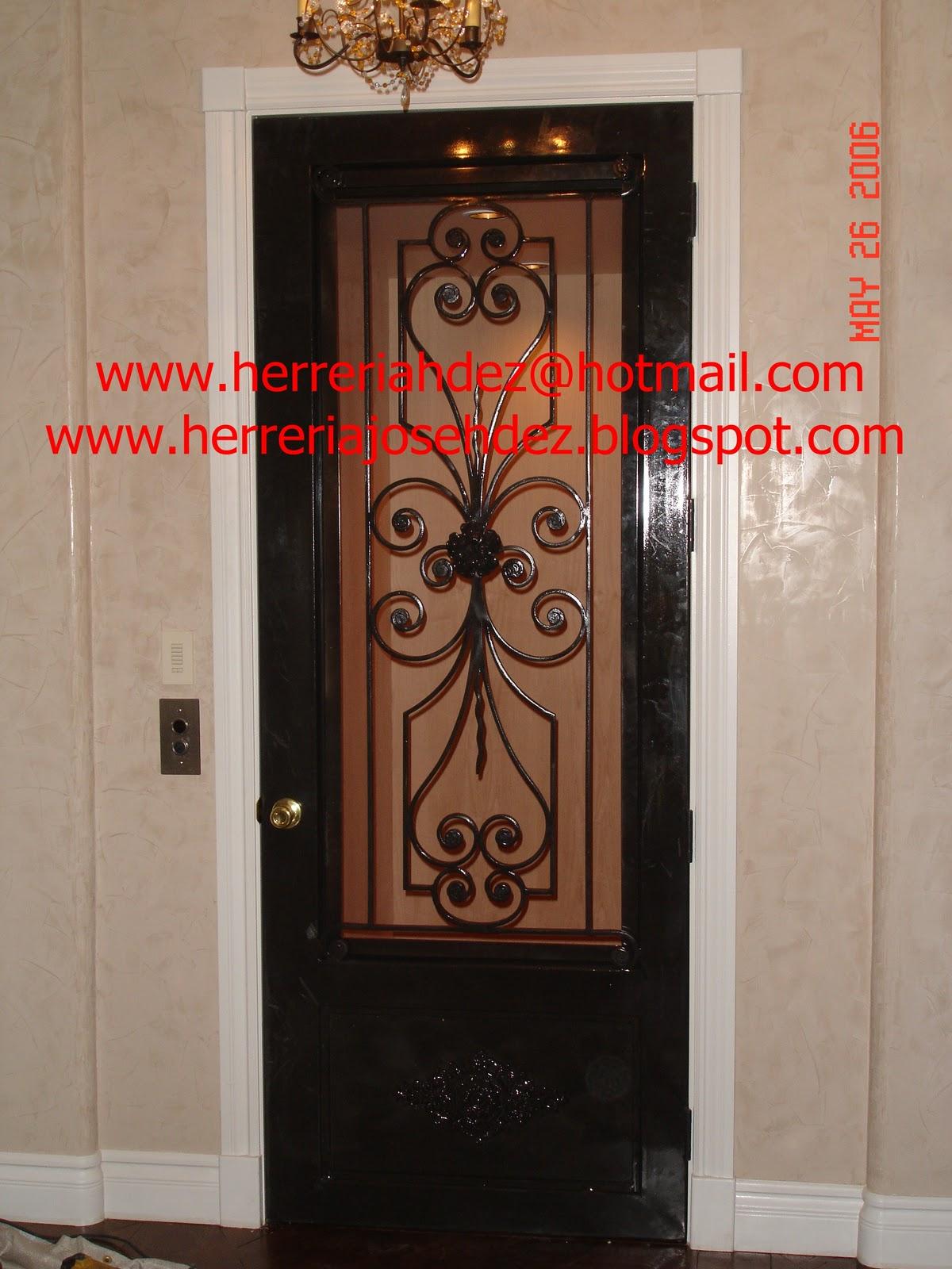 Puertas De Entrada Principal