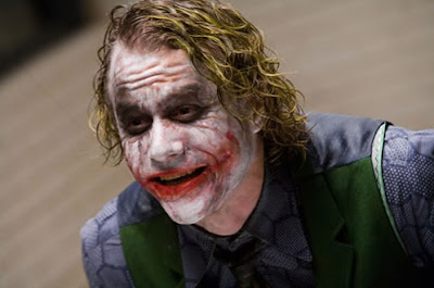 Heath Ledger interpretando al The Joker