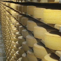 Photo of aging Gruyere cheese from sopra mais' Flickr photostream