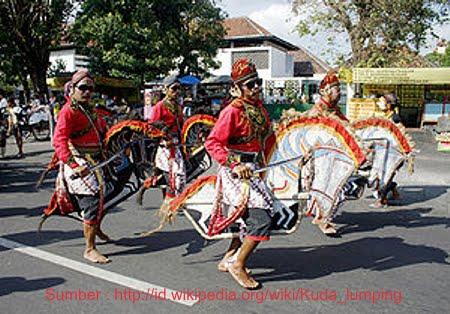 Seni dan Budaya Indonesia: Tarian Kuda Lumping