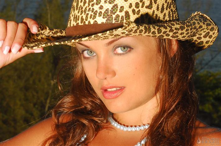 Caren Souza Nude Photos 31