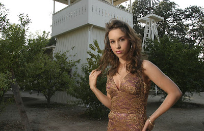 Lacey Chabert - Unknown Yet Sexy Photoshoot