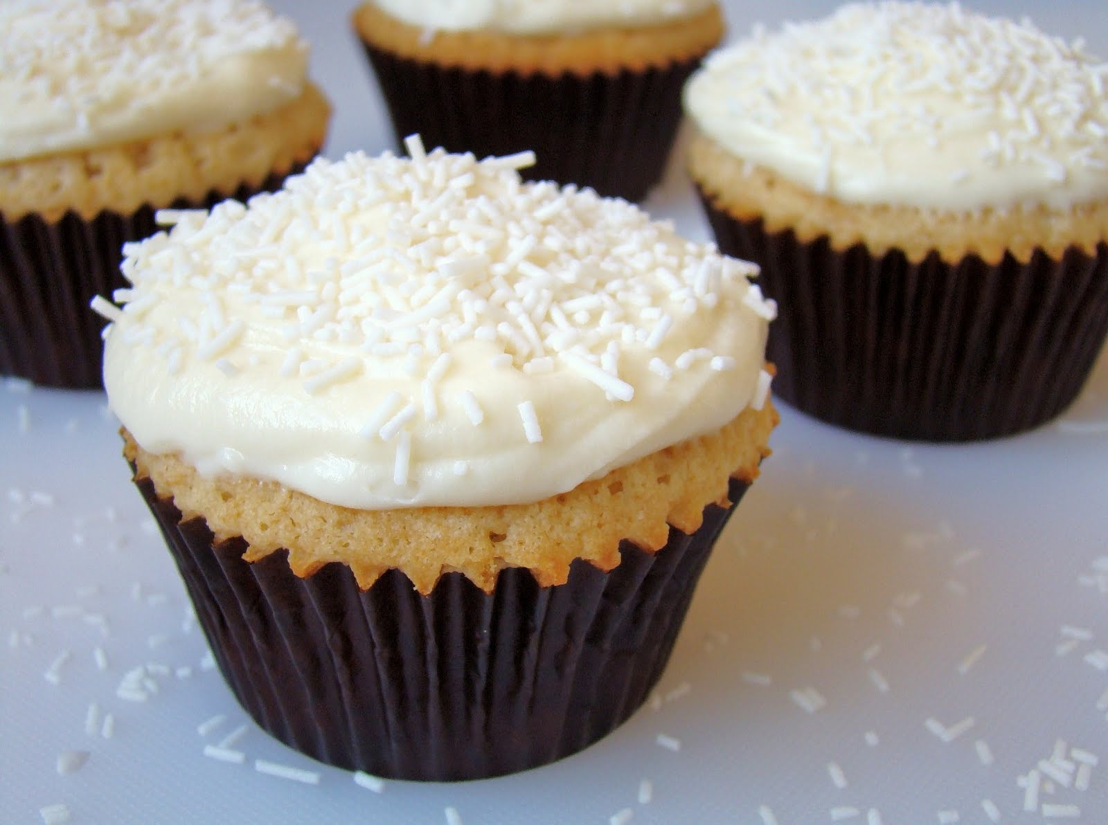 ... Cakes , Cupcakes , Frostings and Fillings »White Chocolate Cupcakes