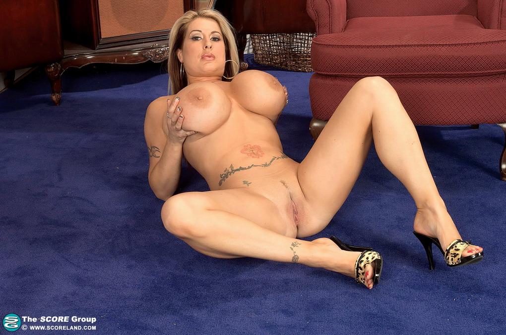 Brandy Dean Summer Sinn Big Tits 30