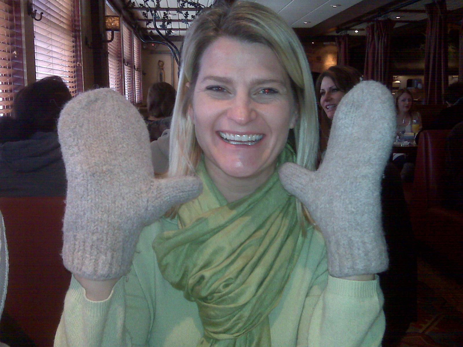 [cass+in+her+mittens.aspx]