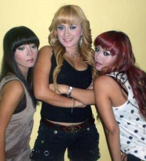 Trio Macan Hot Seksi