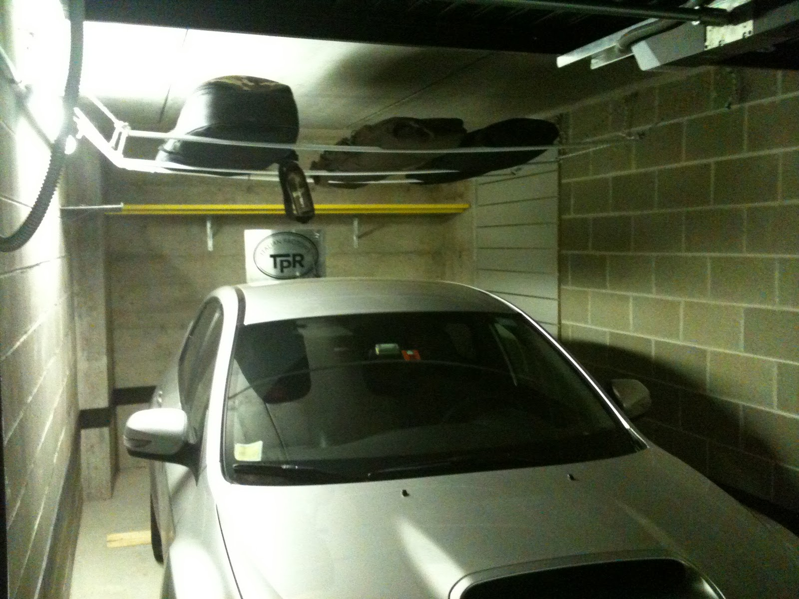 Mygarage allestimento box e garage su misura prodotti for Ampio garage per auto
