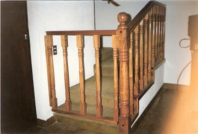 Escaleras y barandas puertas para escaleras for Puerta para escalera