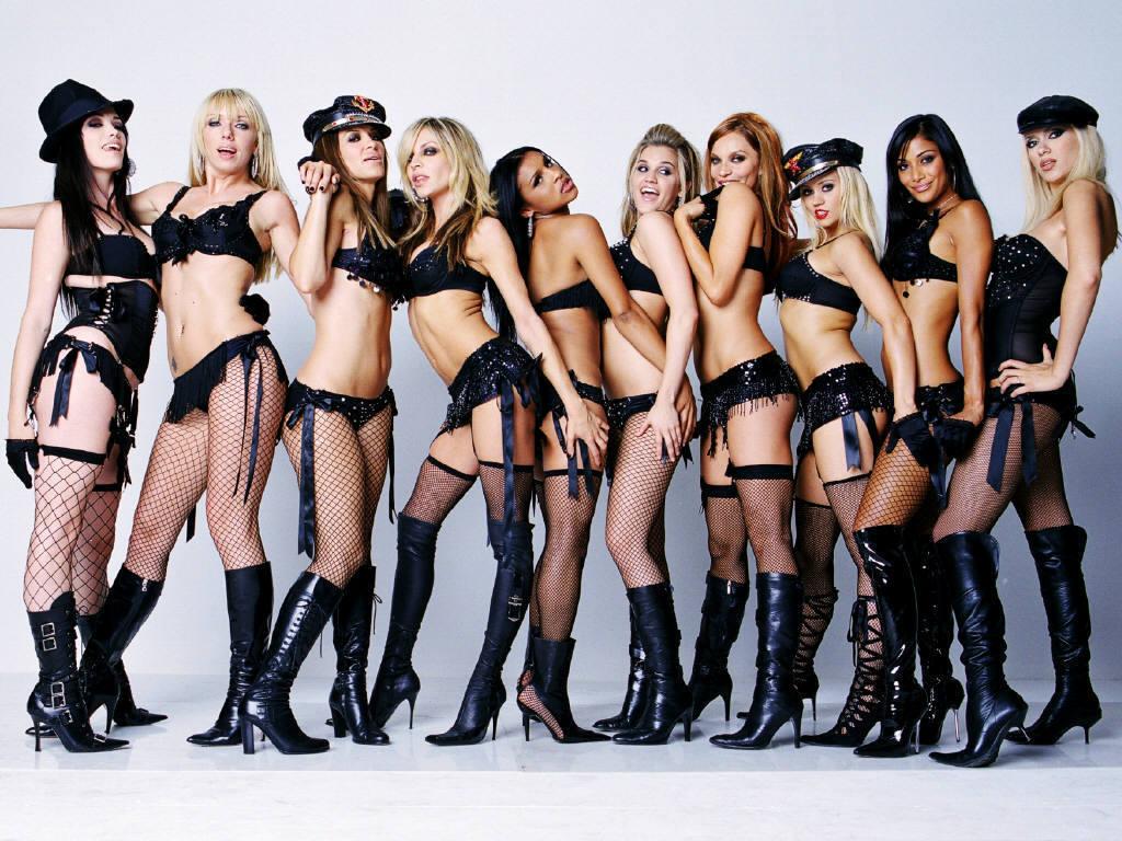 Groups of hot naked girls