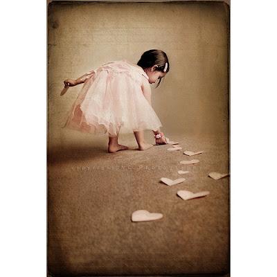 ●●≈||ღ مـدونـتـي ღ||≈●●   Children,girl,love,path,child,cute-fefc624d2921fc6566c0b5ade318a434_h