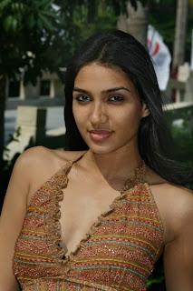 Romanthi Maria Colomboge