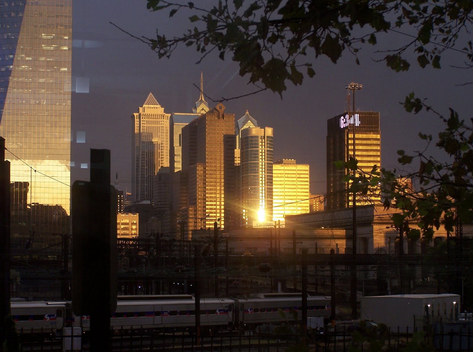 http://4.bp.blogspot.com/_gyPHkN_Cj9g/TUouyCgsnuI/AAAAAAAAB20/aWYgw3dQHUw/s1600/Beautiful+Philadelphia+Too.jpg