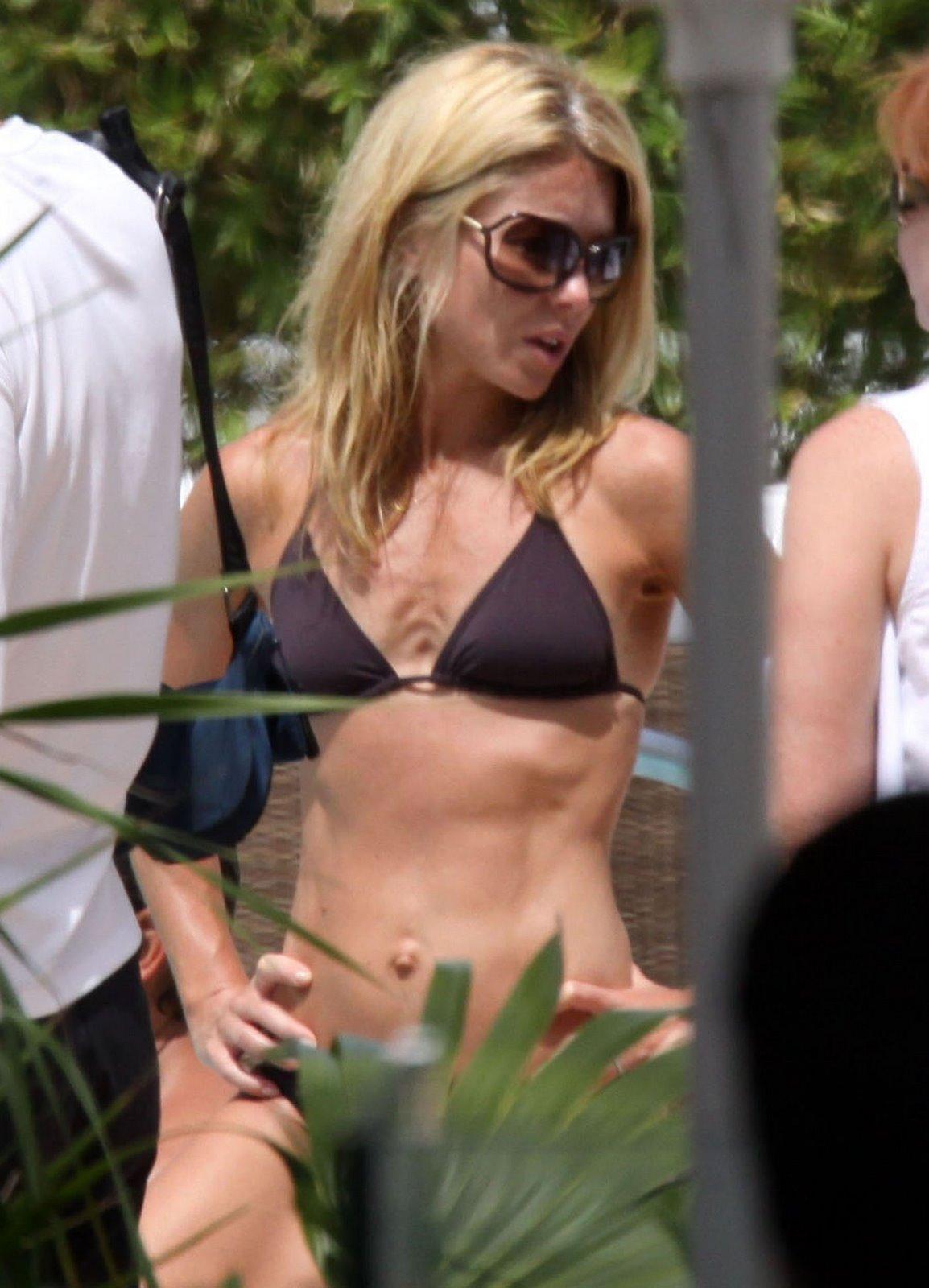 http://4.bp.blogspot.com/_gz86NfbA0Go/SgGSeD6oAUI/AAAAAAAACl8/bBTt-yJ-_VM/s1600/Kelly_Ripa_Micro_Bikini_Pictures_2.jpg