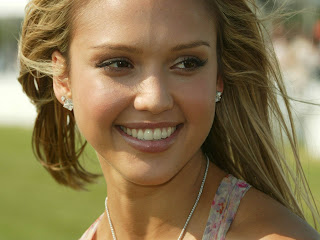 Download Jessica Alba   Wallpapers