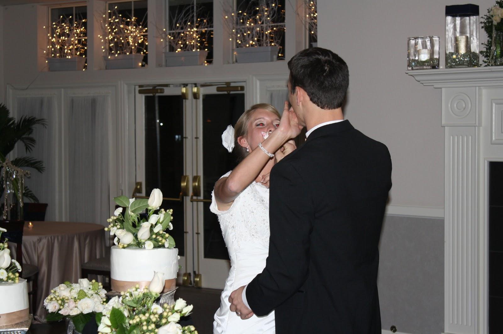 http://4.bp.blogspot.com/_gzRc9Myo0yU/TRlLPK1z9sI/AAAAAAAA_Ps/r4JEIntlWmc/s1600/Martin+Wedding+635.JPG