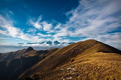 Արագածը` նկարված արայի լեռան վրայից