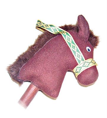 Caballito de tela con palo de madera para ni os caballo - Caballito de madera ikea ...