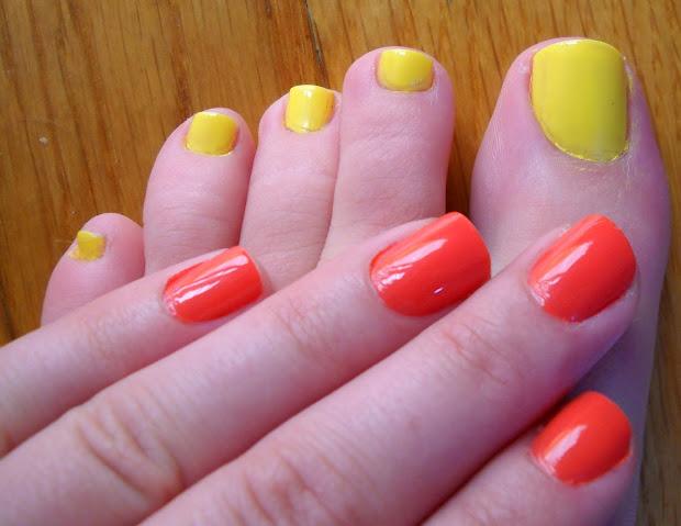 nail & toenail polish color combos