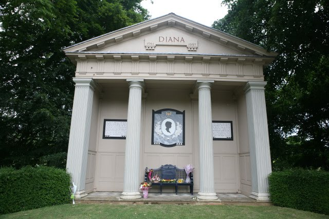 princess diana burial site the memorial to princess diana