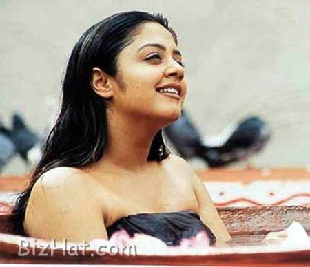sexxy sexy jothika stills  tamil actress sexy stills