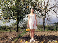 A young chinese and her lemons (Vivian's photobook)