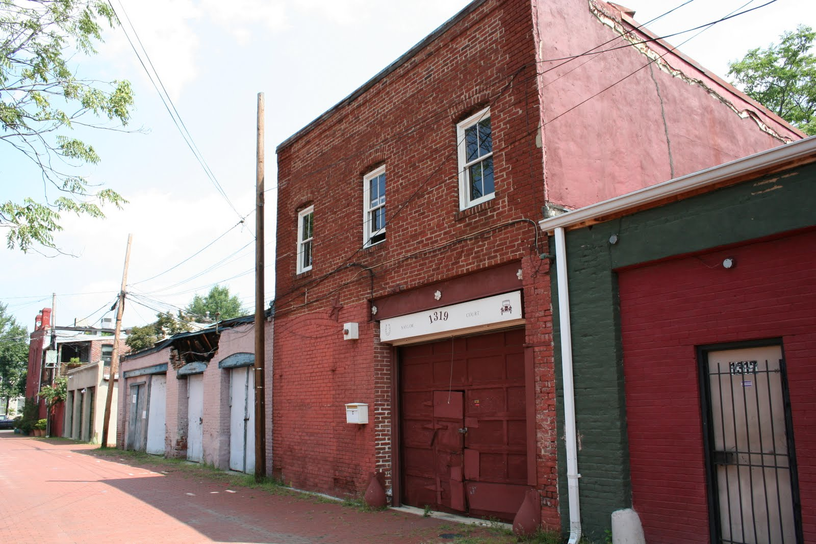 Preserving dc stables stable for sale in historic naylor for Small garages for sale