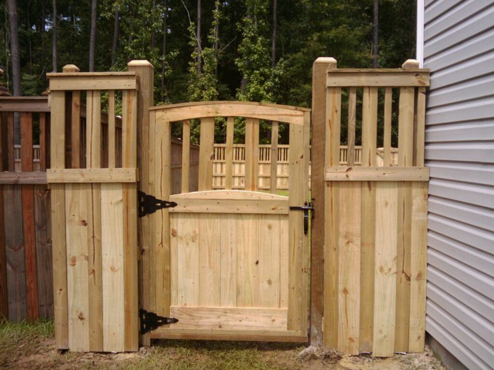 Fence Gate Design Ideas yard fence ideas fence designs Privacy Fence Images Texture To Your Fence This Style Like Other Solid Fences Offers The Garden Pinterest Different Types Other And Different