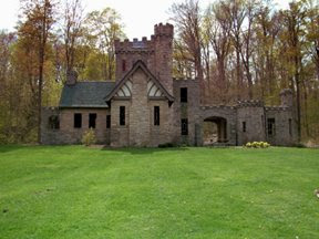 We ran by Squire's Castle on the North Chagrin trek.