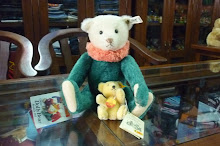 CIRCUS DOLLY BEAR REPLICA 1913 AND STEIFF MINIATURE BEAR