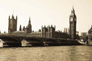 The Houses of Parliament - London - Source: http://metrodusa.blogspot.com/