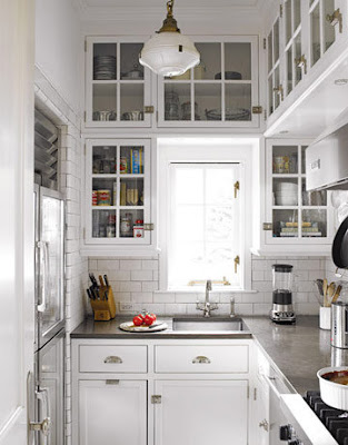 Una cucina bianca shabby chic interiors for Kitchen ideas for 1920s house
