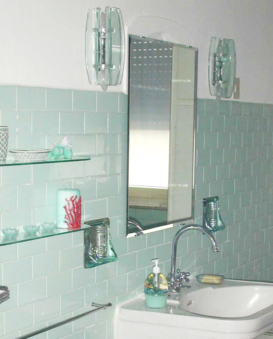 Piastrelle bagno verde acqua design casa creativa e - Piastrelle bagno decorate ...