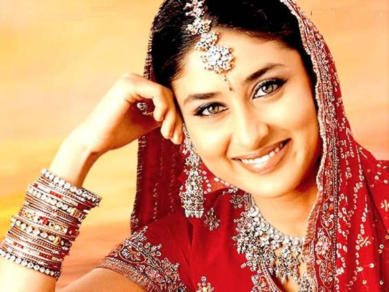 karishma kapoor wallpapers. Kareena Kapoor Wallpapers