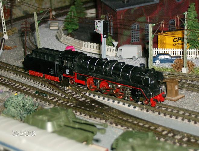 Trix Locomotiva a Vapor BR 01  Nº01236