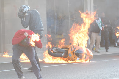 CBR 600RR GARE XFIN!!!!!!!! - Página 2 Moto+ardiendo