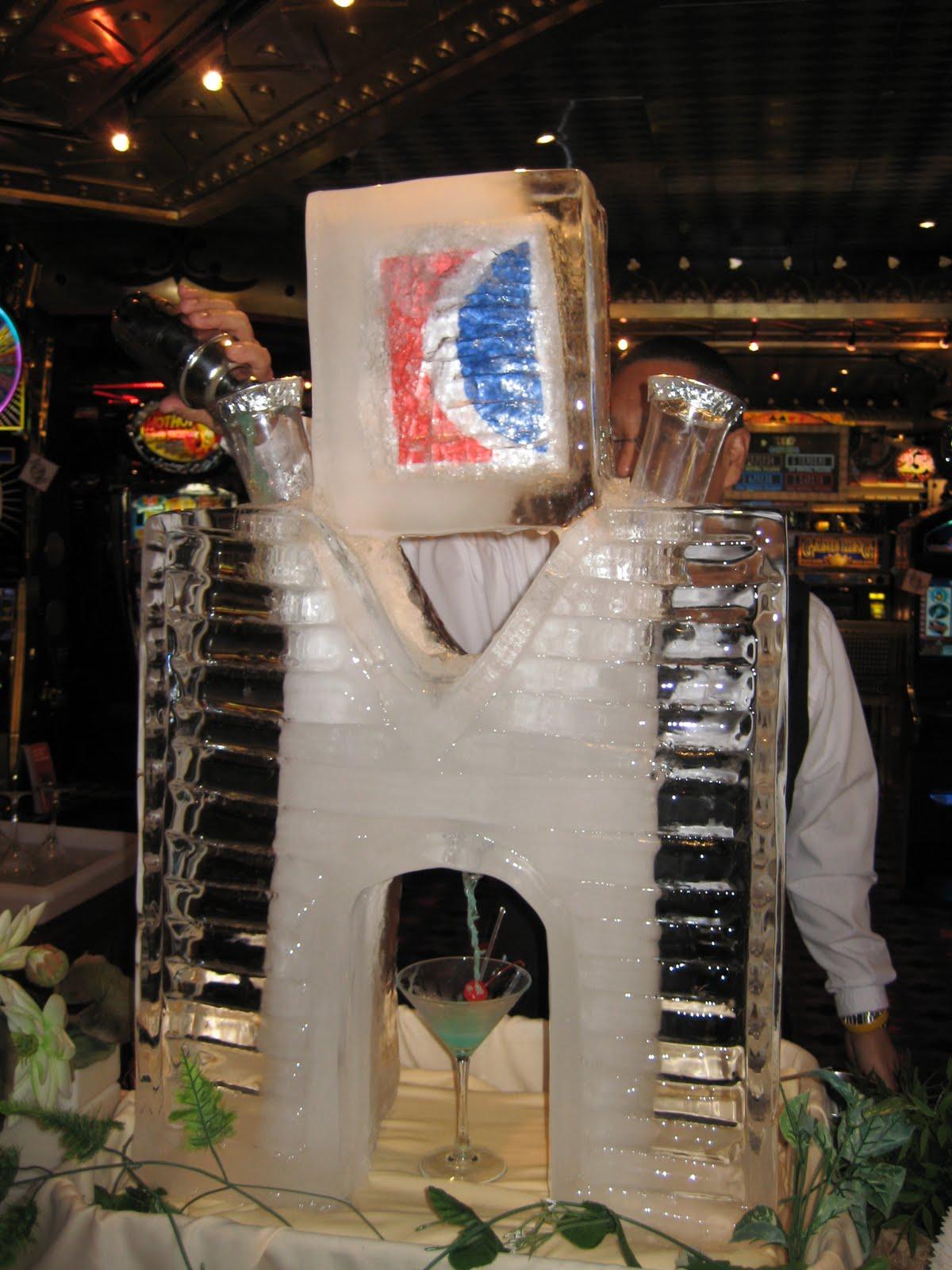 http://4.bp.blogspot.com/_h5PPzemgrQo/TJg9ipGDPZI/AAAAAAAAAro/jWtujKWhlC4/s1600/Martini.JPG