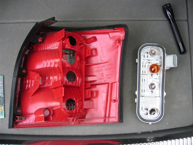 audi diy how to replace a brake light bulb on an audi a4 avant rh audidiy blogspot com Audi A4 1.8L Turbo Horsepower 03 Audi A4 Specs