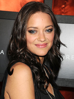 I just noticed how much Mila Kunis looks like Marion Cotillard.