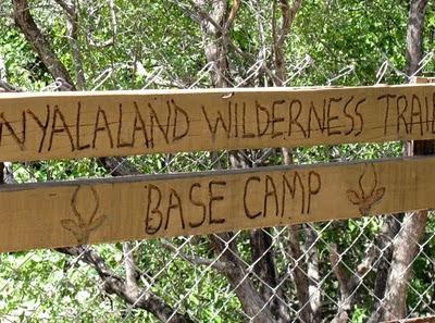 Początek szlaku Nyalaland Wilderness Trail w Parku Krugera