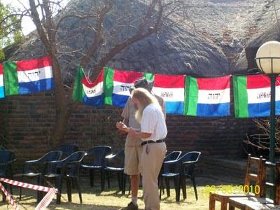 Napisy na flagach