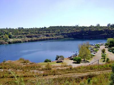 Bass Lake znajdzje się tylko 30 minut jazdy od Johannesburga