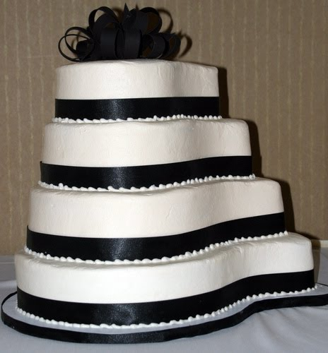 white wedding decor ideas. Black and White Wedding Cakes