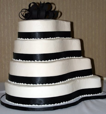 wedding cakes black and white with ribbon