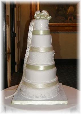 wedding cakes with ribbon 2010