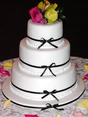 beautiful ribbon wedding cake wedding. Black Bedroom Furniture Sets. Home Design Ideas